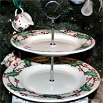 Emma Bridgewater sale. 2 Tier Cake Stand Winter Berry Emma Bridgewater Servies